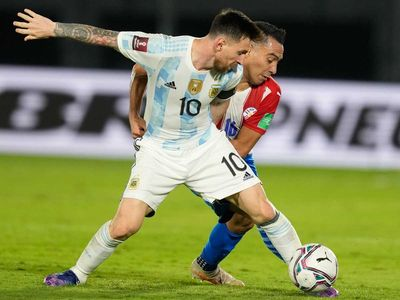 Paraguay stifles Lionel Messi to hold Argentina in a goalless draw at the South American World Cup qualifiers.